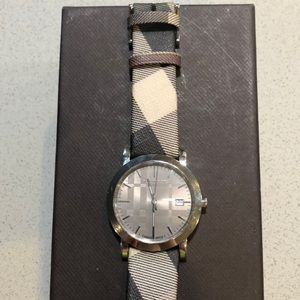 Beautiful authentic Burberry watch